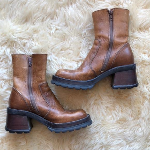f0cf6314c54 Vintage 90s Steve Madden Chunky Heel Boots